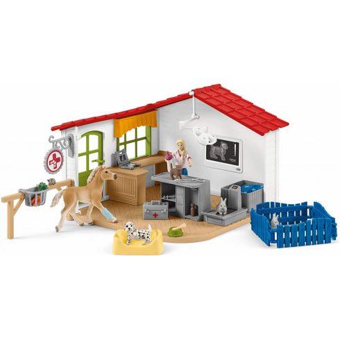 Schleich 42502 Állatorvosi rendelő csikóval és háziállatokkal